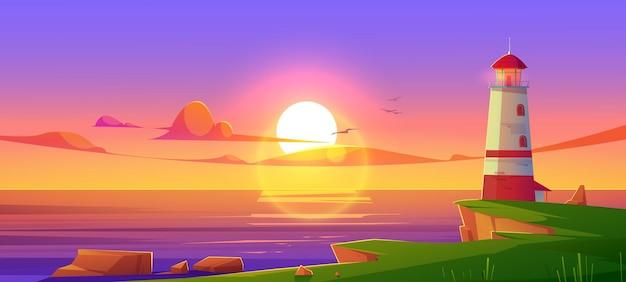 Latarnia morska na brzegu morza o zachodzie słońca