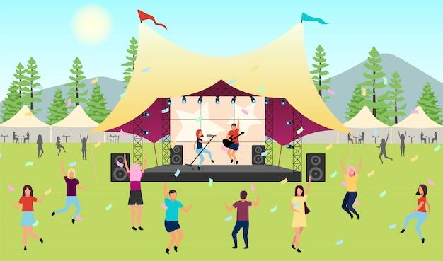 Latem festiwal muzyki płaski ilustracja. występ na żywo na świeżym powietrzu. rock, koncert muzyki pop w parku, obóz. latem słuchanie muzyki na zewnątrz. tańczące postacie z kreskówek