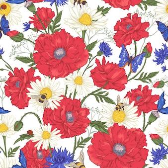 Lato vintage kwiatowy wzór z kwitnących czerwonych maków rumianek biedronka i stokrotki chabry trzmiel pszczoła i niebieskie motyle.