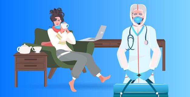 Lekarz w masce z zestawem pierwszej pomocy bada pacjentkę pacjentkę covid-19 pandemii koncepcja pozioma ilustracja