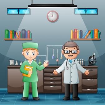 Lekarz z profesjonalnym chemikiem w sali laboratoryjnej