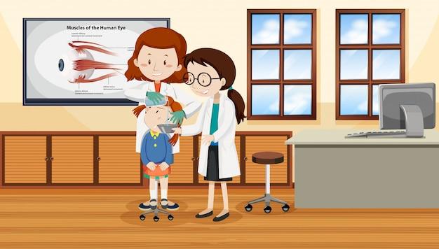 Lekarze pomagają ranić dziecko
