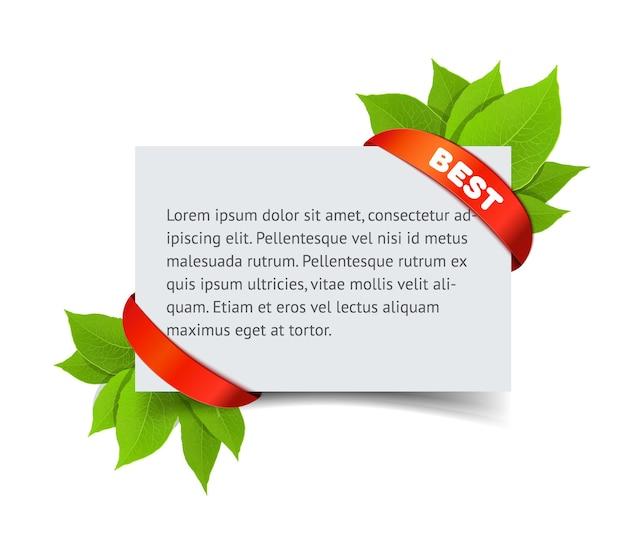 Letni baner sprzedaży. biała wizytówka z tekstem i zielonymi liśćmi