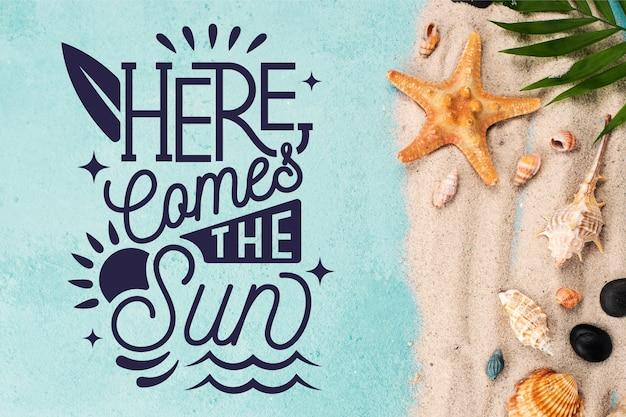 Letni napis z plażą i rozgwiazdą