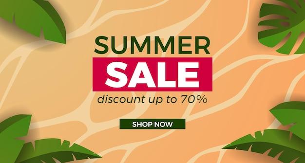 Letnia wyprzedaż oferuje promocję banerową z piaszczystą plażą z tropikalnymi liśćmi