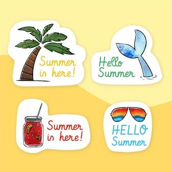 Letnie etykiety w stylu przypominającym akwarele