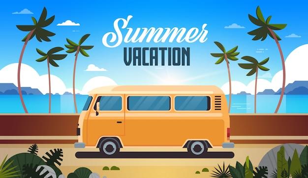Letnie wakacje surf autobus autobus wschód słońca tropikalnej plaży retro surfing vintage