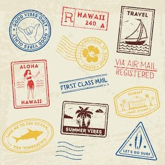 Letnie znaczki pocztowe na plaży.