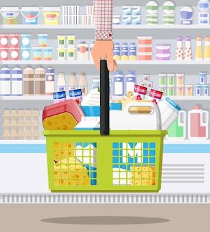Licznik mleka w supermarkecie. sklep rolniczy lub sklep spożywczy. produkty mleczne zestaw kolekcja żywności. mleczny ser jogurt masło kwaśna śmietana produkty wiejskie. wektor ilustracja płaski styl