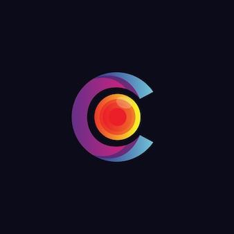 Litera c z optycznym logo