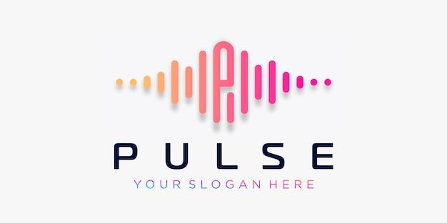 Litera p z pulsem. element impulsowy. szablon logo muzyka elektroniczna, korektor graficzny, sklep, muzyka dj, klub nocny, dyskoteka. koncepcja logo fali dźwiękowej, o tematyce technologii multimedialnej, abstrakcyjny kształt.