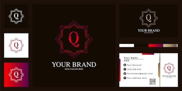 Litera q luksusowy ornament kwiat rama logo szablon projektu z wizytówką.