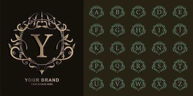 Litera Y Lub Początkowy Alfabet Kolekcji Z Luksusowym Ornamentem Kwiatowy Rama Złoty Szablon Logo. Premium Wektorów