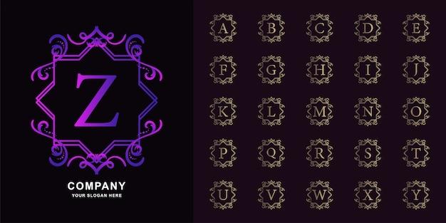 Litera z lub początkowy alfabet kolekcji z luksusowym ornamentem kwiatowy rama złoty szablon logo.
