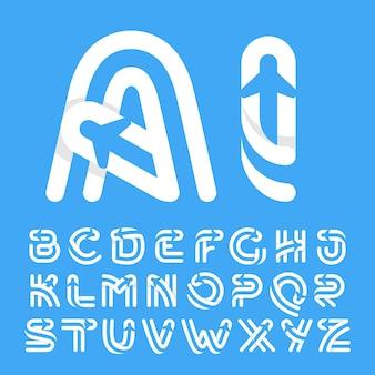 Litery alfabetu z samolotem i linią lotniczą w środku. wektorowy krój do etykiet lotów, nagłówków podróży, plakatów dostawczych, kart lotniczych itp.