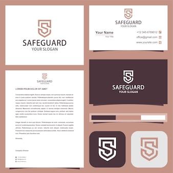 Logo bezpiecznej straży w koncepcji tarczy s z wizytówką