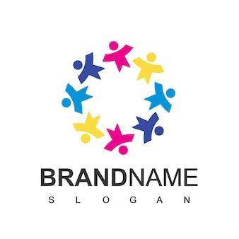 Logo dla dzieci, symbol szkoły i placu zabaw