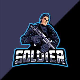 Logo e-sportowej gry maskotka soldier