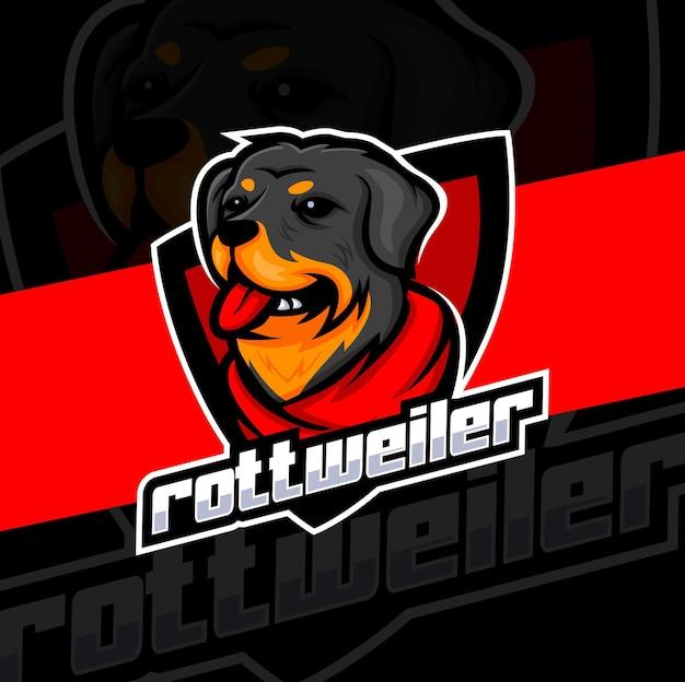 Logo e-sportu z maskotką psa rottweiler do gier i logo strażnika psa