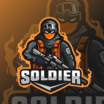 Logo esport maskotka żołnierza
