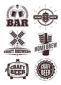 Logo hipster rocznika piwa rzemieślniczego. etykiety słupkowe, pieczęć, emblematy i elementy. pojedynczo na białym. koszty ogólne, piwowar, widok, napój