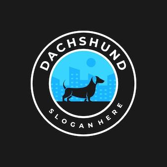 Logo ilustracja styl vintage odznaka psa.