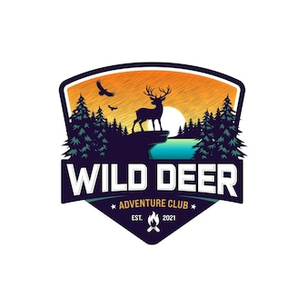 Logo jelenia przygodowego w stylu vintage