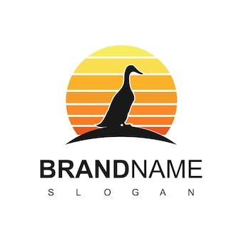 Logo kaczki, hodowla zwierząt, symbol drobiu