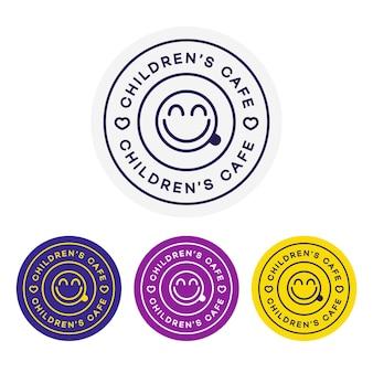 Logo kawiarni dla dzieci do projektowania tożsamości korporacyjnej. karta zestawu kawiarni restauracji, ulotka, menu, pakiet, jednolity zestaw.