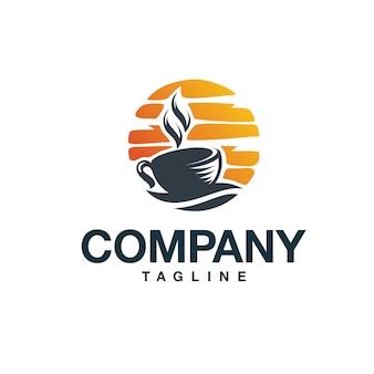 Logo kawy o zachodzie słońca