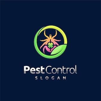 Logo kontroli szkodników z koncepcją kleszcza