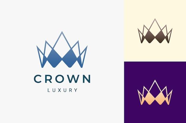 Logo korony w luksusowym stylu reprezentuje króla i królową