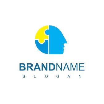 Logo kreatywnych ludzi z symbolem głowy puzzli