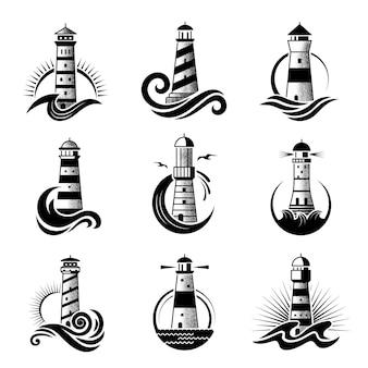 Logo latarni morskiej. biznesowe stylizowane symbole morskie fale oceaniczne ikony morza z sylwetkami latarni morskiej