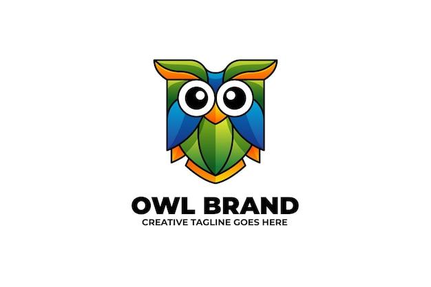 Logo maskotka ptak sowa w stylu akwareli