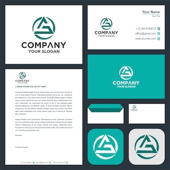 Logo początkowa litera s z trójkątem na wizytówce premium wektor logo premium