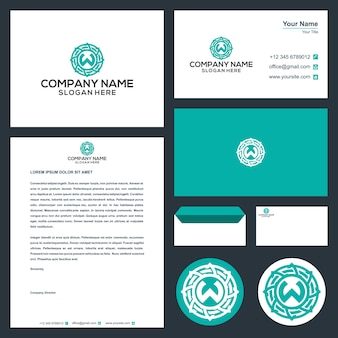 Logo początkowa litera w z koncepcją koła w wektorze premium wizytówki