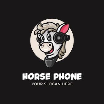 Logo podcastu z koniem dla dzieci