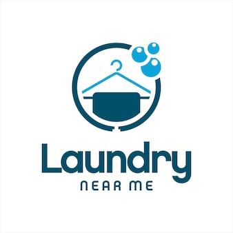 Logo pralnia prosty okrągły wieszak z bąbelkami