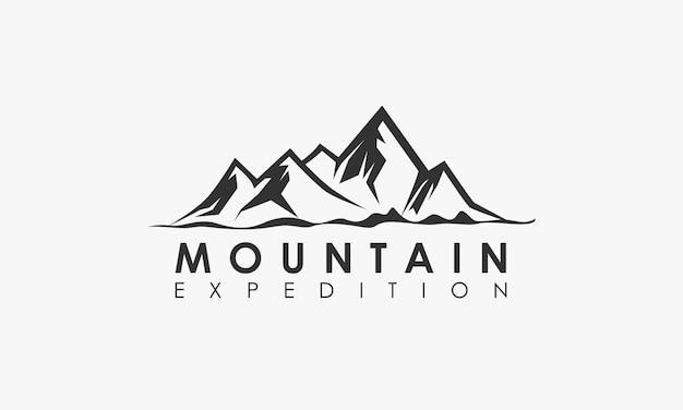 Logo przygody górskiej wyprawy
