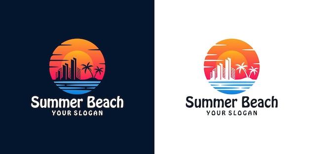Logo słońca z sylwetką budynku miasta nad morzem