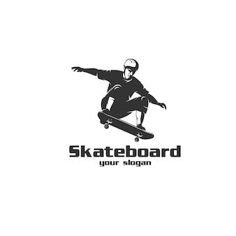 Logo sylwetka skateboardingu