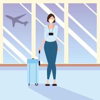 Lotnisko nowa normalna, młoda kobieta podróżująca w czasie pandemii i ochrony osobistej