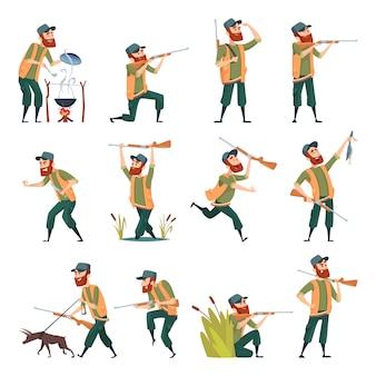 Łowcy. snajper na zewnątrz człowieka z bronią polowania na kaczki w akcji pozuje postacie