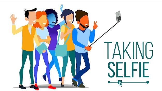 Ludzie biorący selfie