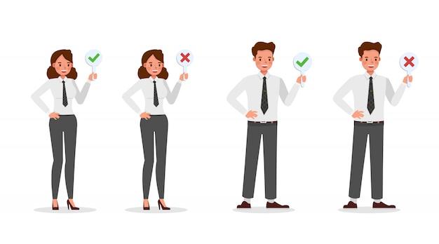 Ludzie biznesu pracujący w charakterze biurowym