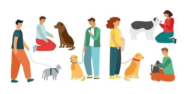 Ludzie chodzą i bawią się z psami i kotami.