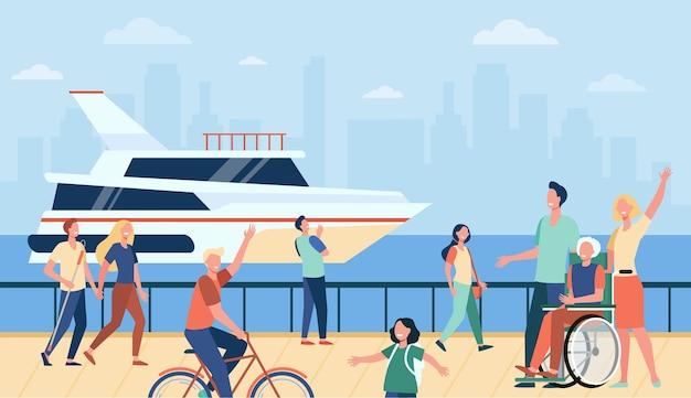 Ludzie cieszący się wakacjami i spacerujący nad morzem lub rzeką, machający na powitanie na łodzi. ilustracja wektorowa płaski dla turystów, morze, nabrzeże, czas wolny w koncepcji lata