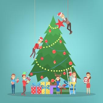 Ludzie dekorujący dużą choinkę. szczęśliwe postacie przygotowujące się do obchodów nowego roku. faceci trzymający prezent i pijący szampana. ilustracja
