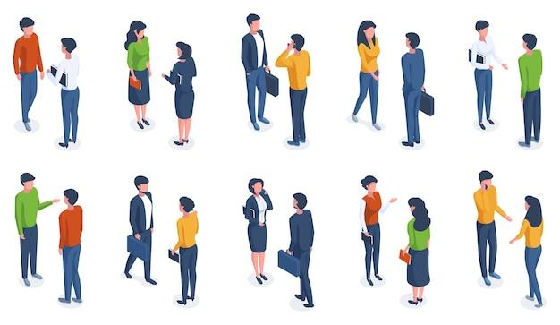 Ludzie izometryczny. mężczyzna i kobieta dorosłych postaci izometrycznych 3d w ubraniach casual i różnych pozach zestaw ilustracji wektorowych. modni ludzie izometryczni